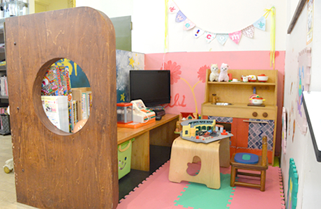 キッズコーナー完備Eibiとビューティーイトー両店ともに、お子様(赤ちゃん)連れ歓迎のサロンです。