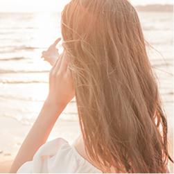 ヘッドスパで、サラサラツヤツヤの健康な髪に